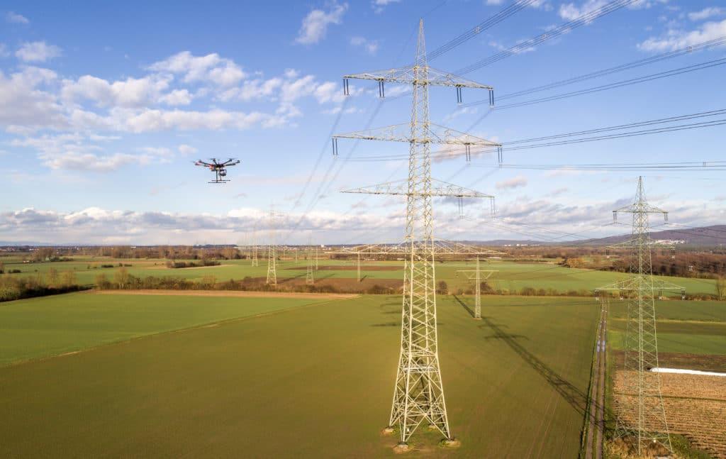 Inspektion-von-Hochspannungsleitungen-mit-Drohne-Drohnen-Inspektion-von-Überland-Stomleitungen-Power-Line-Inspektion