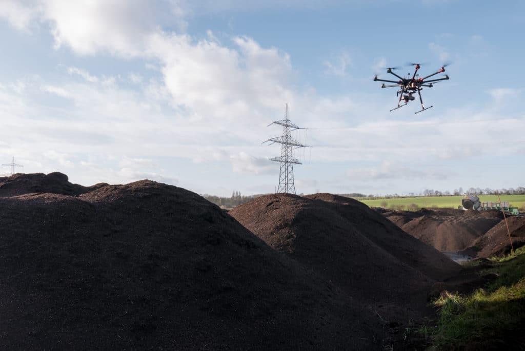 3D-Vermessung-von-Halden-Steinbrüchen-Haufen-Humus-Volumenbestimmung-mit-Drohne-Bereich-Deponien-Halden-Bergbau-Tagebau