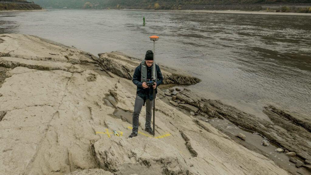Passpunkt-Aufnahme-für-georefernzierung-für-3D-Drohnenvermessung