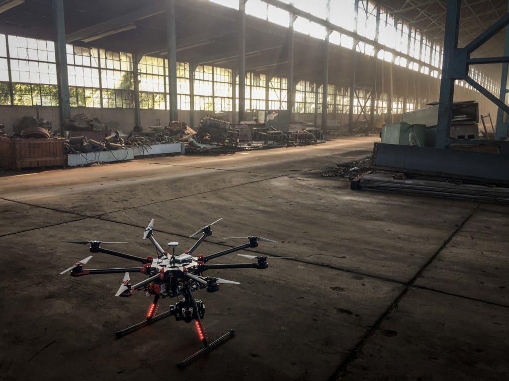 HD-Livebildübertragung-zur-Inspektion-mit-Drohne-Zoom-Kamera-Industrie-Inspektion-Industrieanlagen
