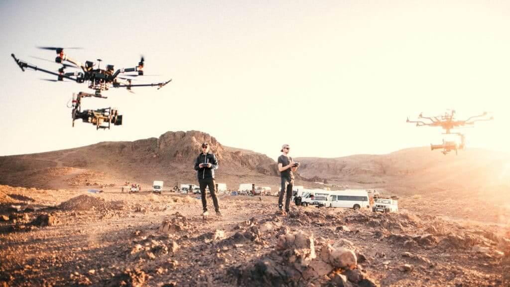 Hochqualifizierte-und-Lizenzierte-Drohnen-Piloten-weltweit-zur-Drohnen-Vermessung-Visualisierung-Film-VR-360-grad-Aufnahmen