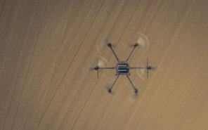 Air-to-air-topshot-Logxon-Porter-Drohne-Heavylifter-fuer-UAV-LiDAR-Scannning-UAV-Photogrammetrie-Sensoren-und-hohe-Payloads