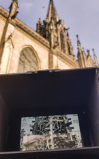 Pilotbild-Monitor-Messkamera-Kirchturm-Inspektion-3D-Vermessung-von-Kirchen-per-Drohne-terrestrischer-Photogrammetrie-Laserscanning-3D-Denkmalvermessung-mittels-Drohne