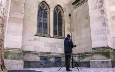 Terrestrische-Photogrammetrie-Dienstleistung-Sony-a7rIII-Hochstativ-3D-Denkmalvermessung-Kirche