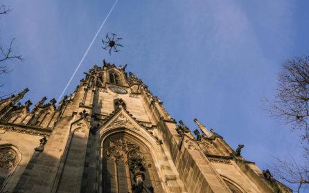 3D-Denkmalvermessung-mittels-Drohne-Photogrammetrischer-Drohnenaufnahmen-Photogrammetrie-Drohne-LOGXON-Gebaeudebaufnahme-Kirchturm-Elisabethenkirche-Basel-Schweiz