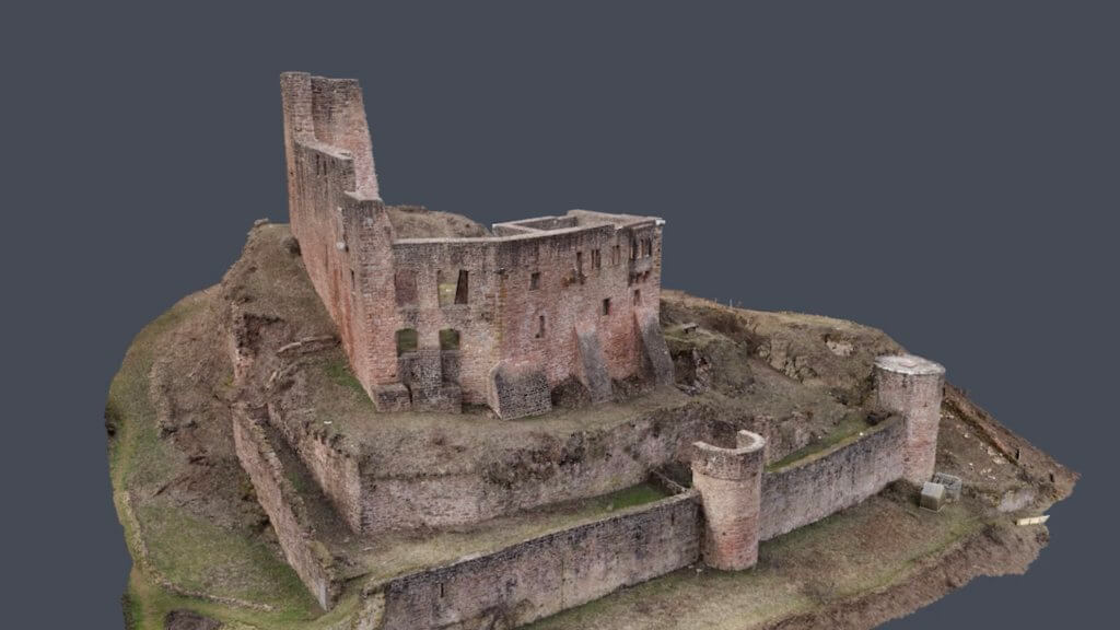 Drohnenvermessung und Laserscan: 3D Bestandserfassung einer Burgruine im Odenwald