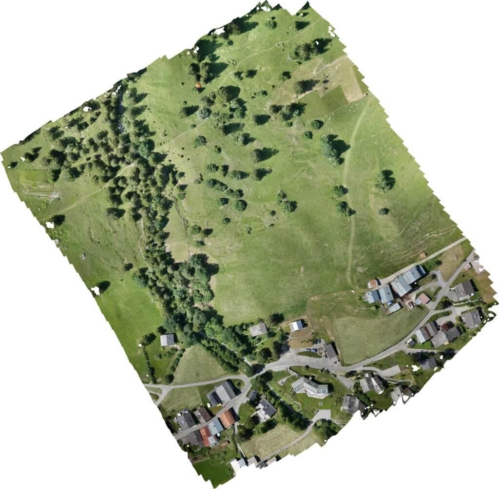 Screenshot-georeferenziertes-Orthofoto-Milchseilbahn-Fidaz-Talstation-Drohnenaufnahmen-digitales-Gelaendemodell-Flims-Schweiz