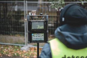 Drohnen-UAV-Pilot-und-Piloten-Monitor-zur-präzisen-Navigation-Scanning-Ausloesen-von-Bilder-Messbildern
