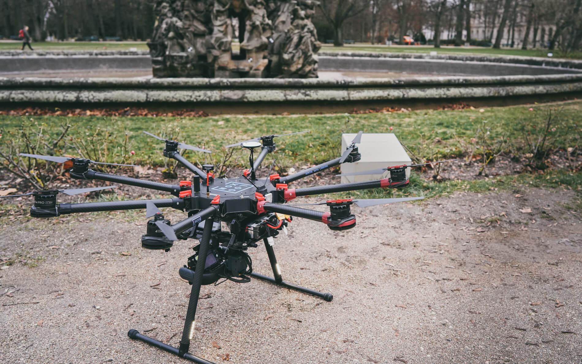 DJI-S1000-plus-photogrammetrie-Drohne-LOGXON-Hugenottenbrunnen-Erlangen-3D-Vermessung-Denkmalschutz-Drohne-terrestrischer-Photogrammetrie