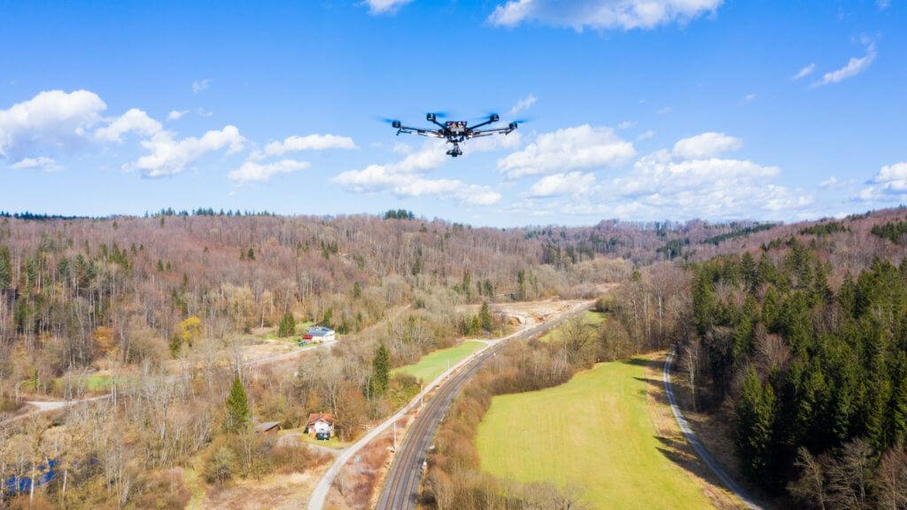 Air-to-air-Luftbild-Drohne-Vermessung-LOGXON-PORTER-Photogrammetrie-Drohne-3D-Vermessung-Aufnahme-Auserwertung-von-digitalen-Drohnenaufnahmen-hohe-Photogrammetrie-Genauigkeit
