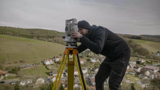 drone-survey-mission-castle-ruine-3d-digital-service-tachmeter-operator-logxon